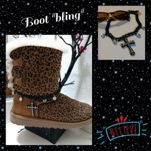 """Accessories - Black Chain w/ Cross.. boot """"bling"""""""
